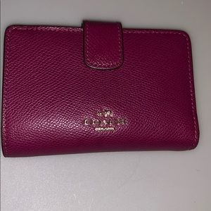 Coach F11484 Crossgrain Leather Medium Snap Wallet
